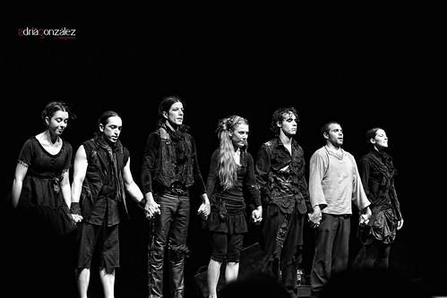 Salutacions entre aplausos by ADRIANGV2009