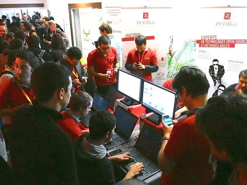 DevFest 2013 : On joue sur le stand Zenika (1)