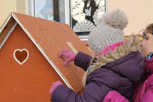 Picking a tile off the Perníková chaloupka