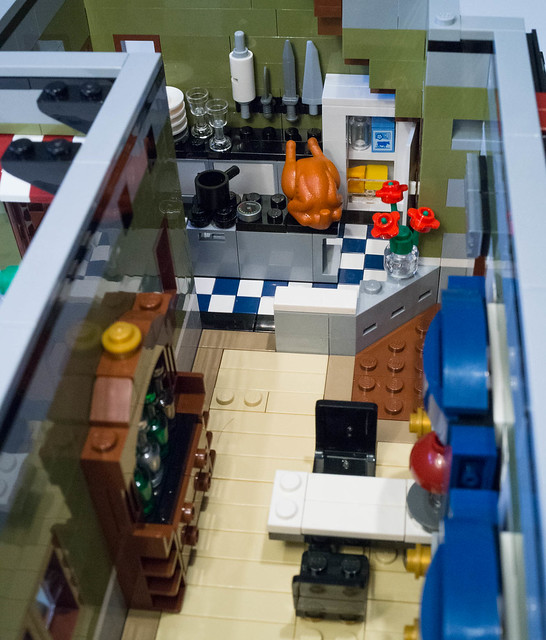 REVIEW LEGO 10243 Creator Expert - Le restaurant Parisien