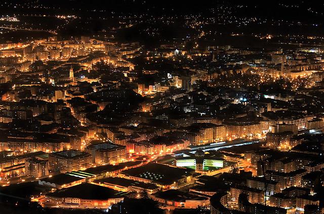 OVIEDO / Panorámica Nocturna desde el Monte Naranco (13/02/2014)