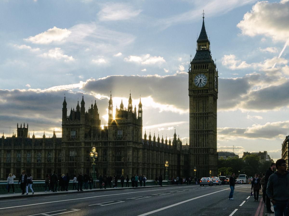 Puente y palacio de Westminster