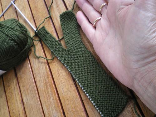 Tricot facile - Gants tricotés au point mousse à 2 aiguilles pour adultes (3/6)