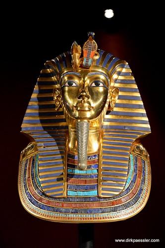 Mask of Tutanchamun by Dirk Paessler