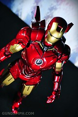 Hot Toys Iron Man 2 - Suit-Up Gantry with Mk IV Review MMS160 Unboxing - day2 (20)