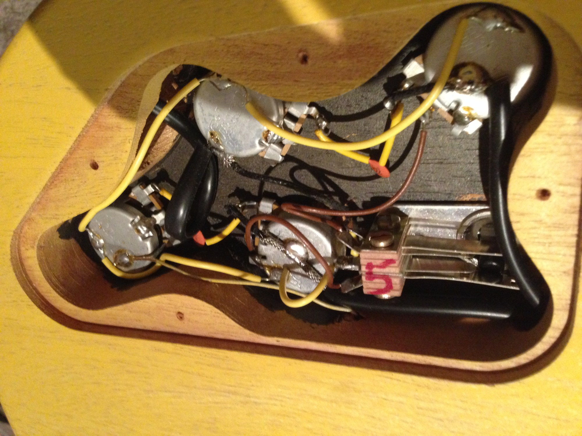 hight resolution of 2003 gibson les paul special odd wiring the gear page rh thegearpage net gibson les paul studio wiring diagram gibson les paul vintage wiring diagram