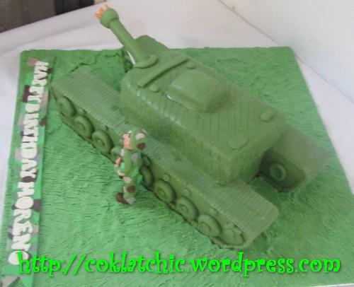 Cake tank