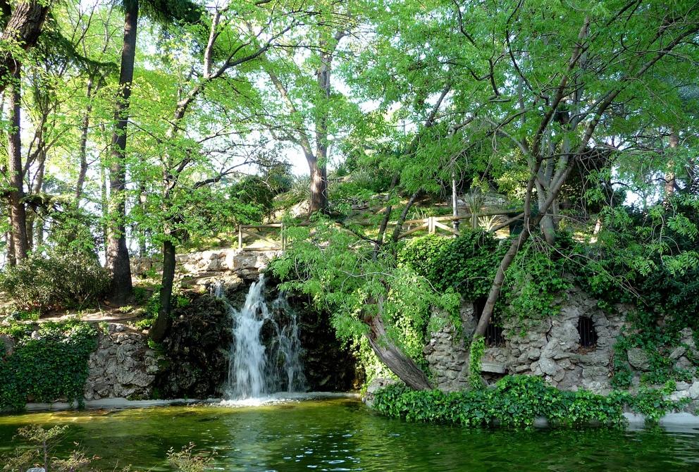 5. Cascada y estanque en el Retiro. Autor, Manuel Martín Vicente