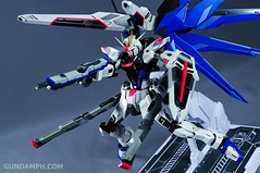 Metal Build Freedom Gundam Prism Coating Ver. Review Tamashii Nation 2012 (102)