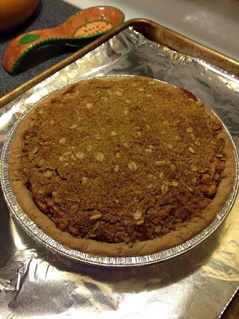 Apple Crumb Pie (vegan & gluten free)