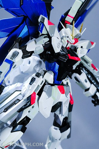 Metal Build Freedom Gundam Prism Coating Ver. Review Tamashii Nation 2012 (67)