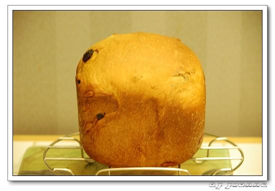 我用Panasonic SD-BMS105T製麵包機的流水帳日記。小烤箱也能烤麵包之麵包No.59與No.60(蔥花熱狗麵包、黑糖麵包 ...