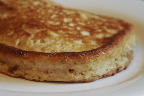Banana-soy smoothie pancake