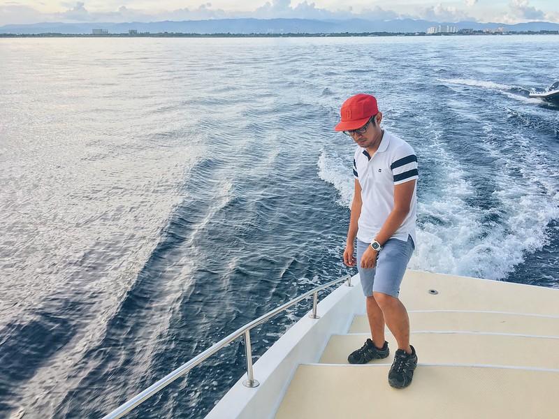 Jokai Yacht Cruising
