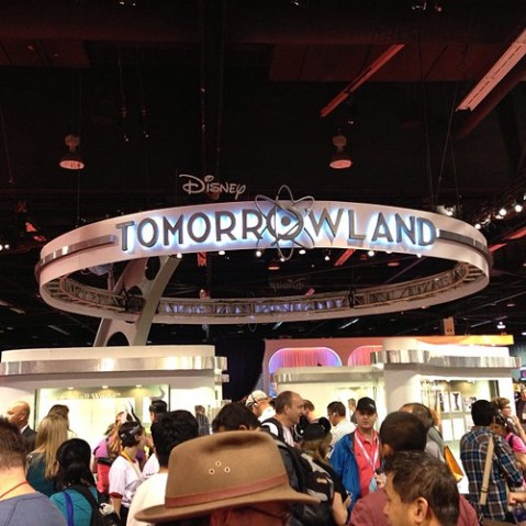 ディズニースタジオパビリオンに、Tomorrowlandが出現。The Optimistはこれのプロモーションでした。