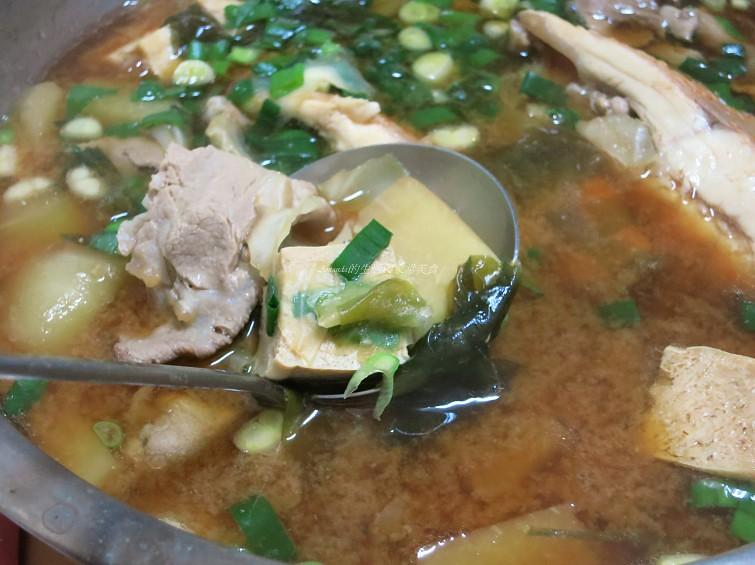 尼羅紅魚味噌鍋 (1)