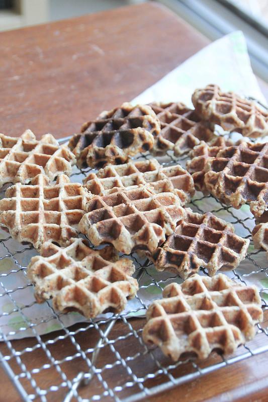 multigrain banana waffles