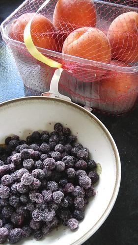 Peach Blueberry Crumble 1