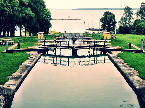 The lock gates at Borenshult along the Göta Canal by SpatzMe