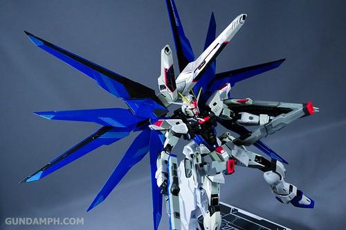 Metal Build Freedom Gundam Prism Coating Ver. Review Tamashii Nation 2012 (40)