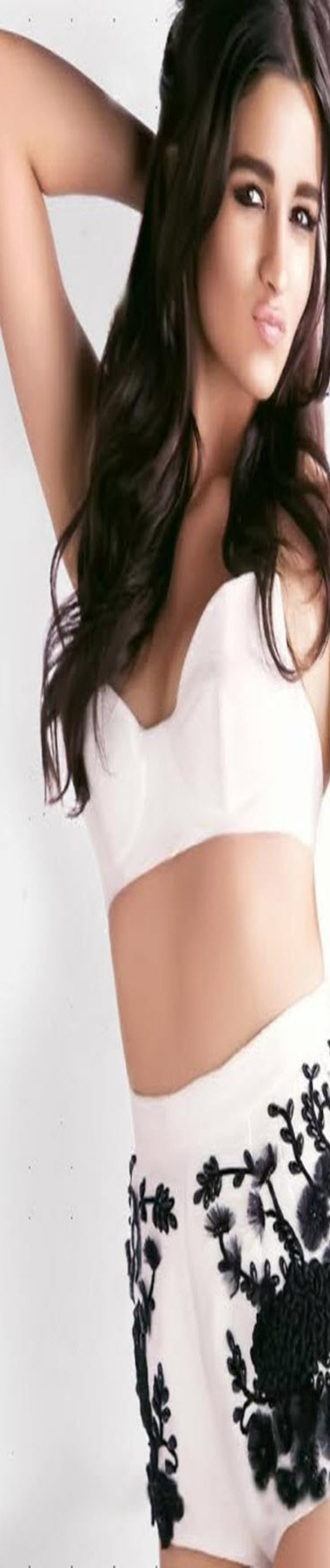 Hot and Sexy Alia Bhatt Profile and Latest Pics Collection