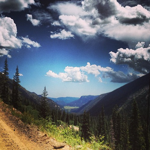 Rocky Mountain Valley by @MySoDotCom