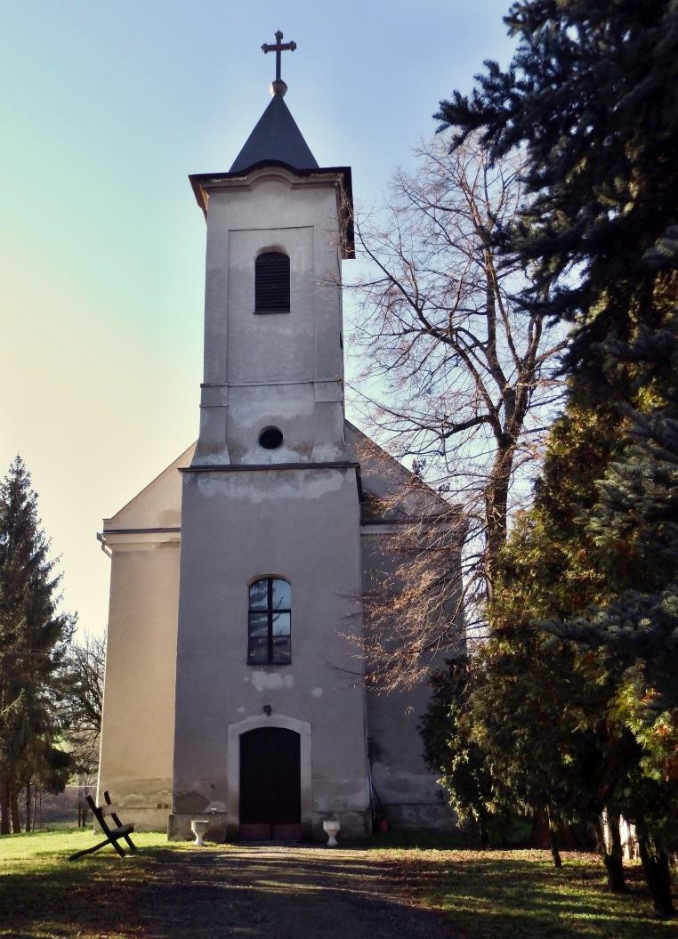 Trebušovský kostol zpredu