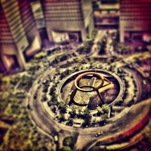 #tiltshift of the Fountain of Wealth #singapore by @MySoDotCom