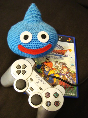 Dragon Quest de play 2 y Limo de amigurumi