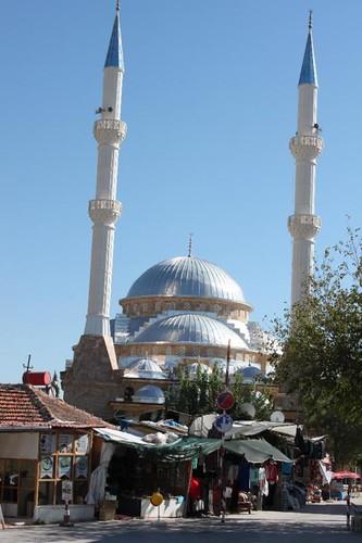 20131009_6970_shiny-new-mosque_Medium