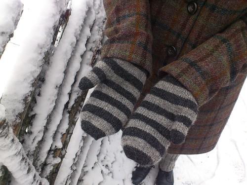 Striped mittens Alice