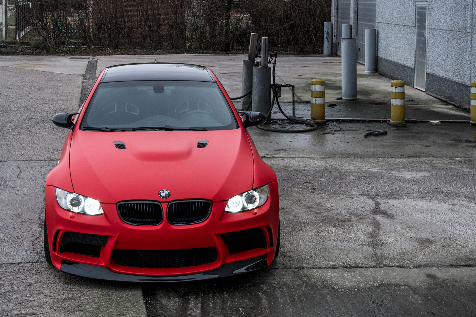 hight resolution of matte red e92 m3 from belgium