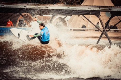 UK Pro Surf Comp at Surf Snowdonia.