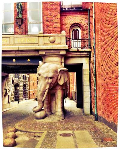 Elephant Gate at Carlsberg Brewery by SpatzMe