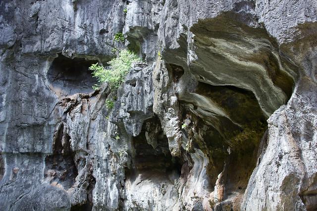 Limestone island in El Nido, Philippines.  Click for Hi-Res.