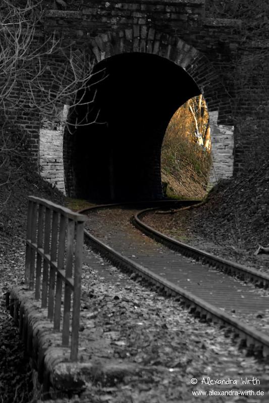 Tunnel zum Licht by Alexandra Wirth