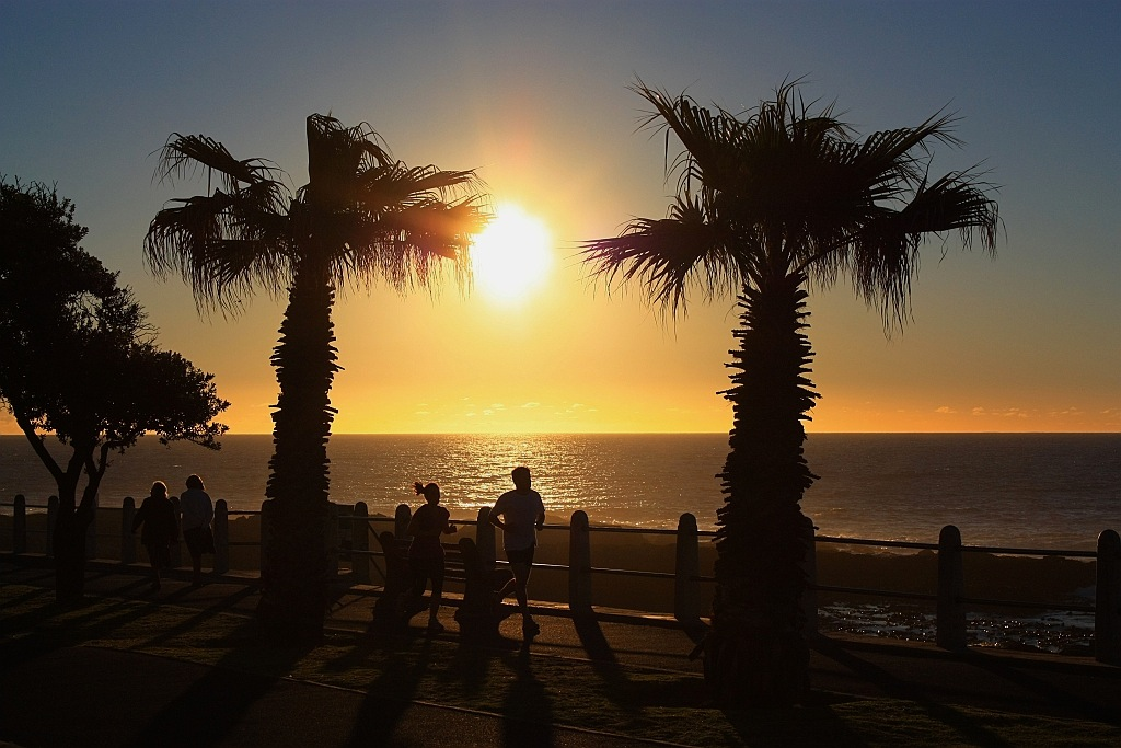 Late afternoon next to the South Atlantic, Sea Point Promenade, Cape Town, South Africa