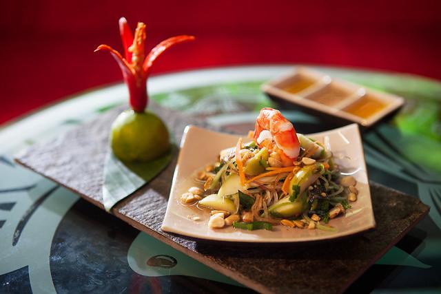 Food - prawns with salad 2