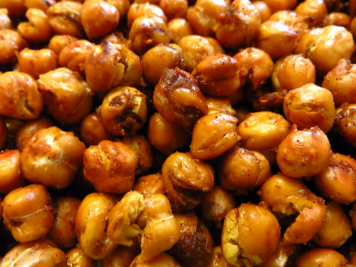 Roasted Chickpeas: Spiced and Ready to Serve (Closer)