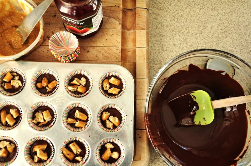 DIY Peanut Butter and Pretzel Cups