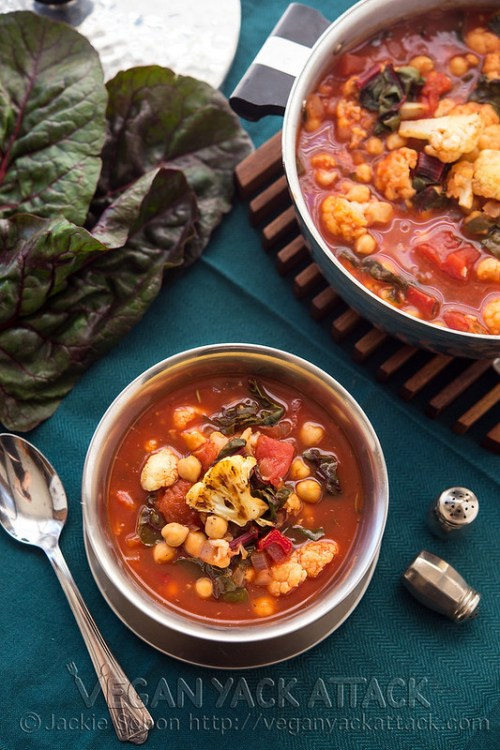 This Roasted Cauliflower Tomato Soup is the perfect weekday meal! Healthy, Quick-to-make, and most importantly delicious!