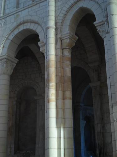 Twin arches, Notre Dame de Charite