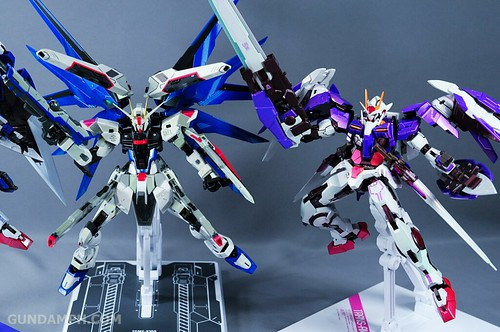 Metal Build Freedom Gundam Prism Coating Ver. Review Tamashii Nation 2012 (105)