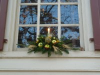 A Fashionable Frolick: Christmas Decorations from Colonial ...
