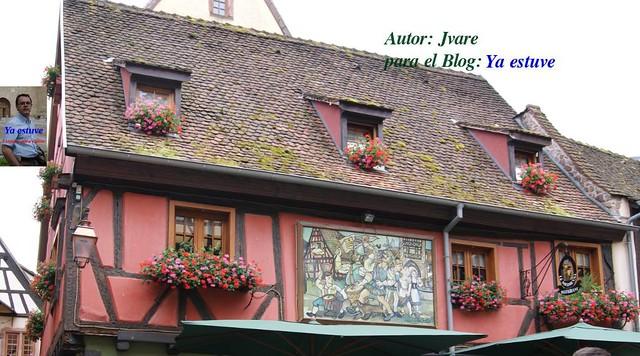 Flores en Riquewihr pueblo medieval