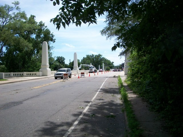 Twychenham Bridge Traffic Restrictions