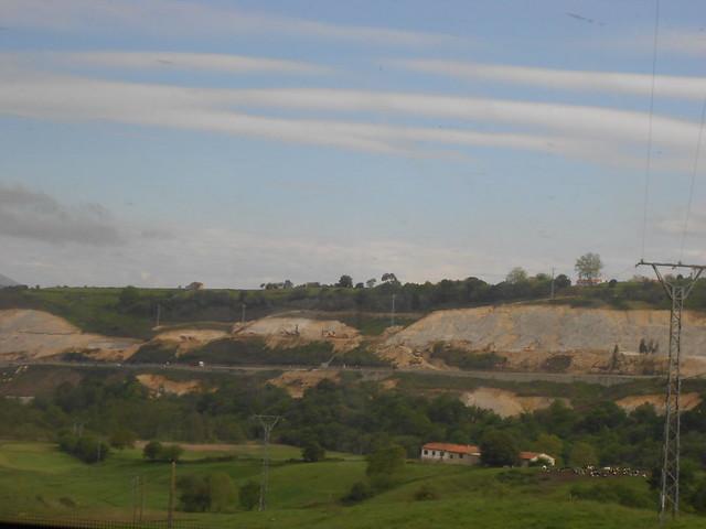 Paisaje de Asturias visto desde el tren