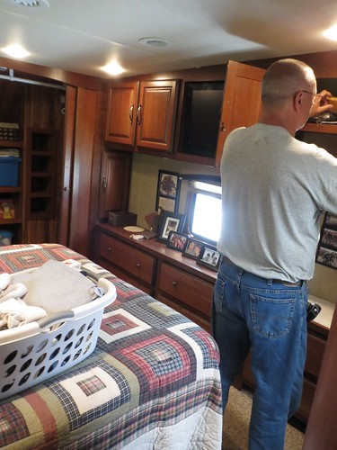 Z Crew: Dad loading the trailer