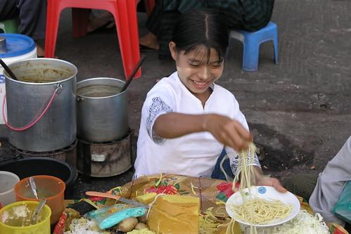 Myanmar - Yangon - Street Life - 18