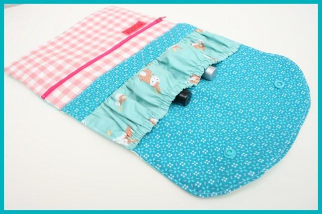 manicure wallet (open)